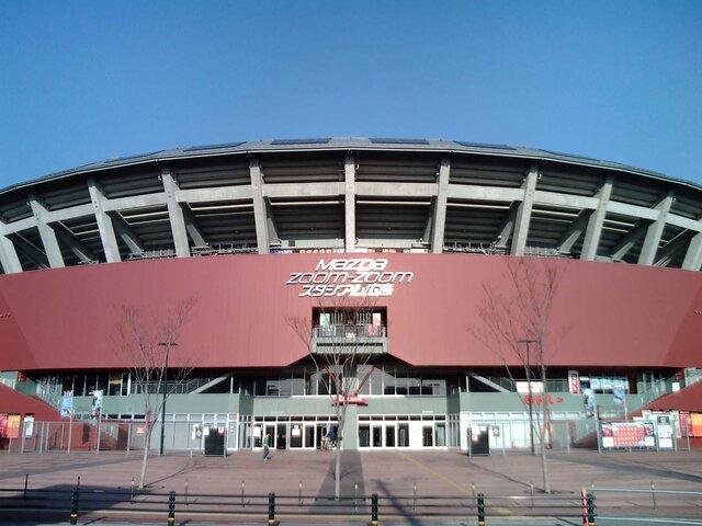 マツダスタジアム3塁側パフォーマンス席で観る プロ野球 広島カープ 対 読売ジャイアンツ・中日ドラゴンズ 日帰り