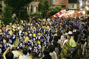 FDAで行く 日本三大盆踊り・郡上踊りと飛騨高山 ペチュニア桃色吐息の丘3日間